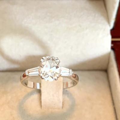 Oval GIA certified diamond ring